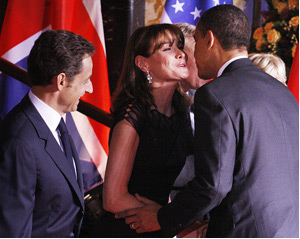 French Greeting: Kisses On Cheeks